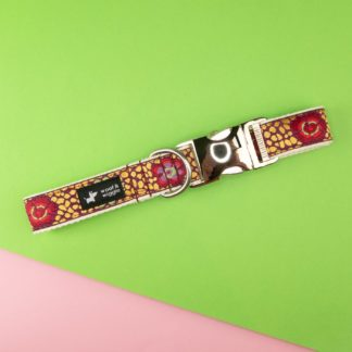 Dog collar with abstract colorful mosaic pattern