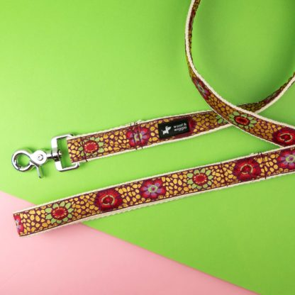 Dog leash with abstract mosaic pattern