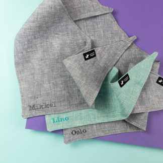 Dog bandana in gray and turquoise with an individual name stick