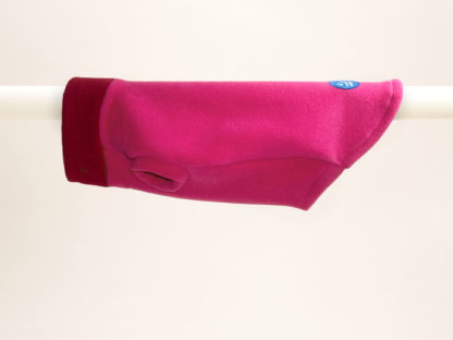 Tailor-made dog jumper in pink and red